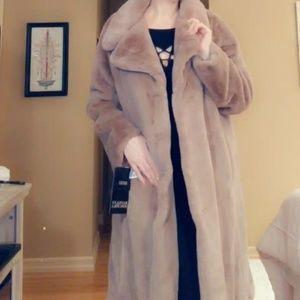 Brand new Badgley Mishka faux fur coat 🧸